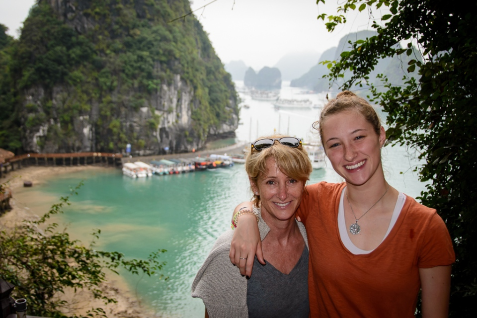 20130402 Halong Bay and Surprise Cave_D600_ND6_6501