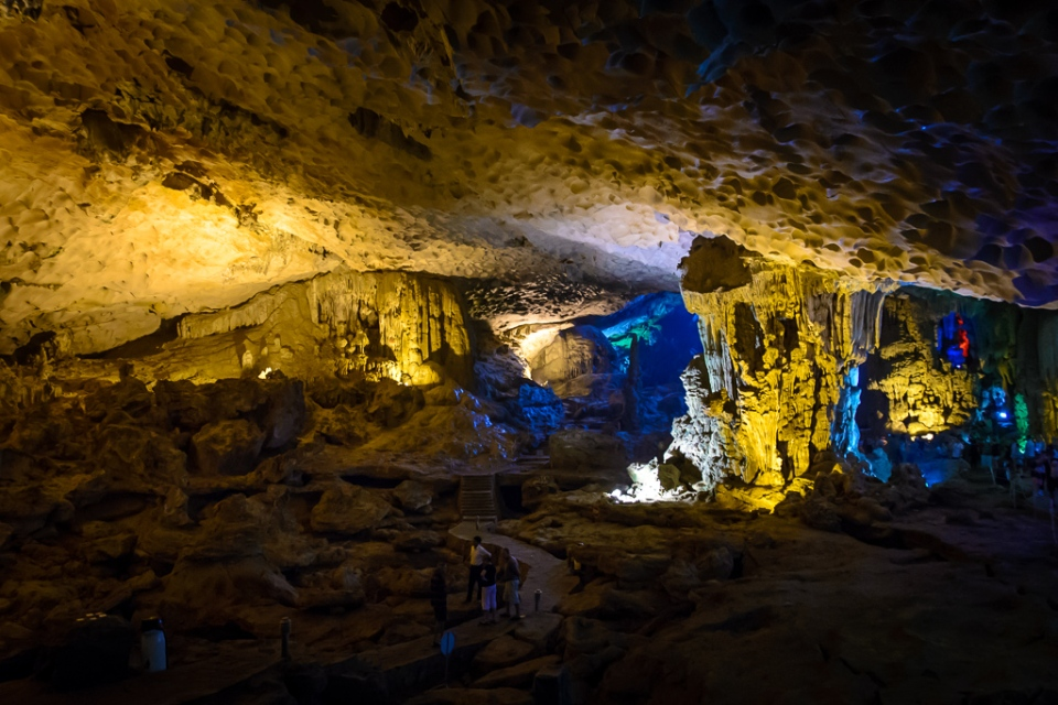 20130402 Halong Bay and Surprise Cave_D600_ND6_6540
